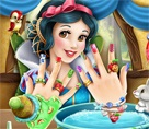 Snow White Manicure
